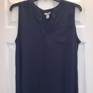 Ava & Viv sleeveless V-neck top